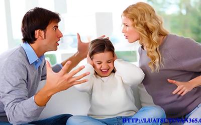 Quyền nuôi con và chia tài sản khi ly hôn